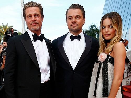 Từ trái sang: Brad Pitt, Leonardo DiCaprio và Margot Robbie ở buổi ra mắt tại Cannes. Ảnh: Shutterstock.