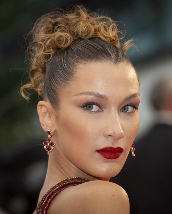 Sao có phong cách làm đẹp ấn tượng ở Cannes 2019