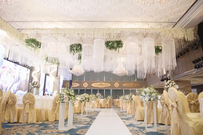 Đạo diễn 'Cua lại vợ bầu' chi hơn tỷ đồng cho không gian tiệc cưới