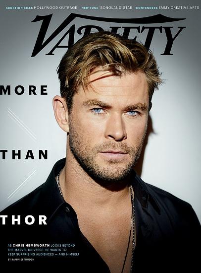 Chris Hemsworth trên bìa tạp chí Variety.