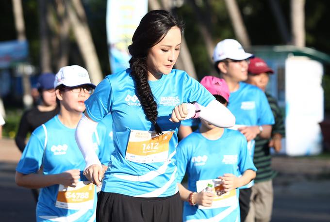 Mai Phương Thúy chạy 5 km trong 40 phút