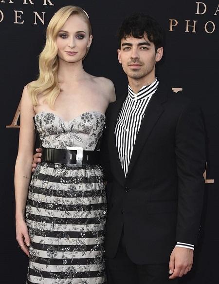 Sophie Turner và chồng - ca sĩ Joe Jonas - ở buổi ra mắt Dark Phoenix. Ảnh: AP.