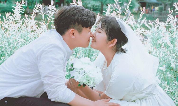 Con gái Choi Jin Sil được bạn trai chăm sóc khi đau ốm - Giải Trí