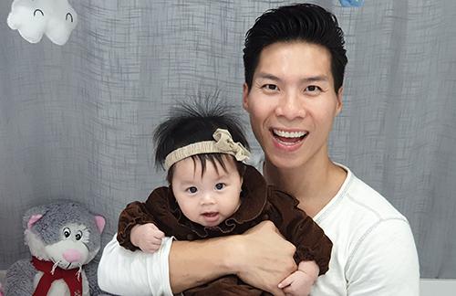 Quốc Nghiệp diễn xiếc cùng con gái 6 tháng tuổi - ảnh 4