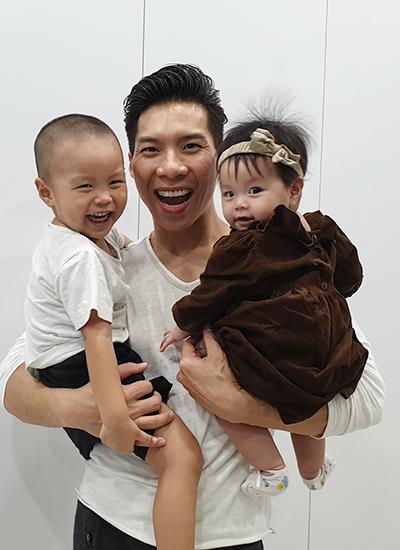 Quốc Nghiệp diễn xiếc cùng con gái 6 tháng tuổi - ảnh 6