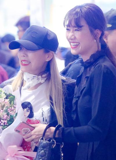 Hari Won (phải) và ca sĩ So Hyang.