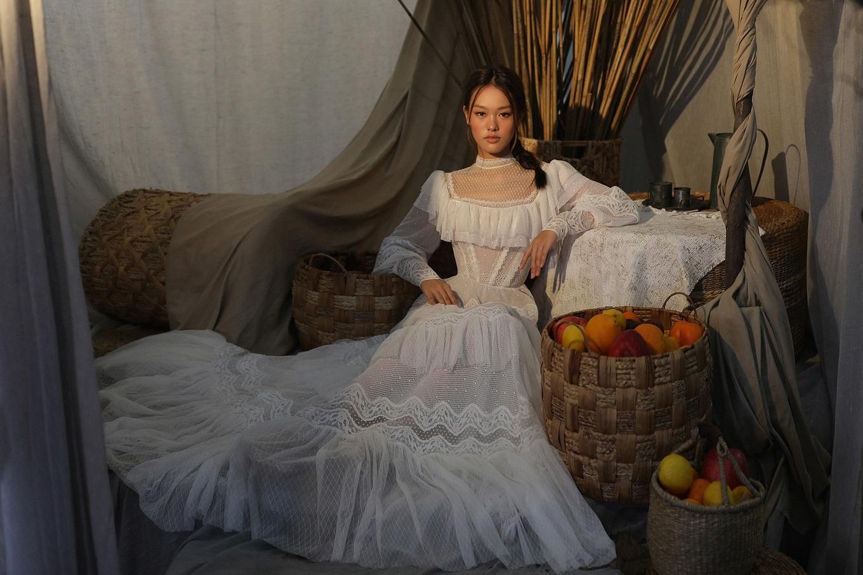 'Bông hồng lai' 16 tuổi làm nàng thơ của Chung Thanh Phong