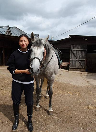 Ngô Thanh Vân cho biết ngựa phục vụ cho bom tấn Hollywood cũng được chia thành nhiều loại. Những chú ngựa ngôi sao đã quen đóng cùng người, biết nghe hiệu lệnh diễn xuất và xuất hiện ở những khoảnh khắc quan trọng. Còn ngựa quần chúng chỉ góp mặt trong các cảnh ít quan trọng.