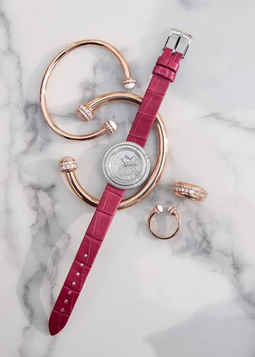Đỗ Mỹ Linh, Kỳ Duyên phối đồ dạ hội với đồng hồ kim cương - 2