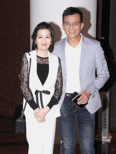 Huỳnh Nhật Hoa năm nay 58 tuổi.
