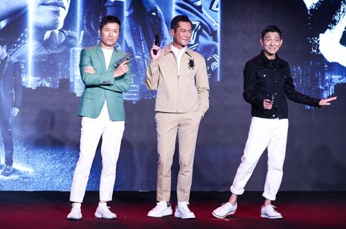 Miêu Kiều Vỹ (trái) tại buổi ra mắt phim. Ảnh: Sina.