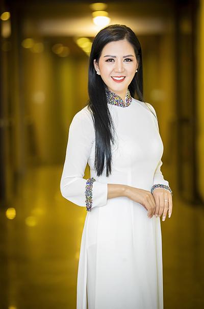 Ca sĩ Đinh Hiền Anh.