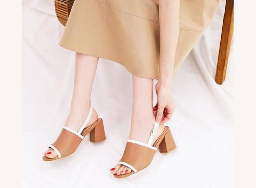 Giày nữ, giày cao gót block heel đế vuông Erosska cao 3cm phối dây thời trang - EM011