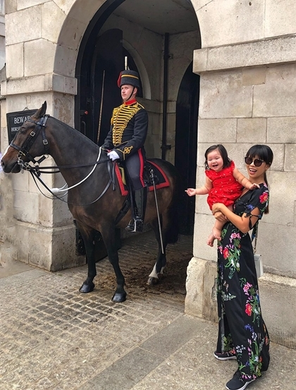 Vợ chồng Hà Anh đưa con gái một tuổi du ngoạn châu Âu - 10