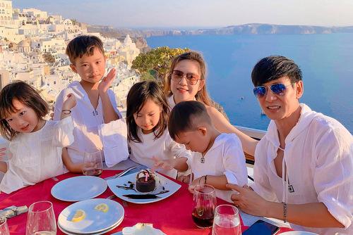 Lý Hải - Minh Hà và bốn con du lịch Âu, Mỹ dịp hè - ảnh 1