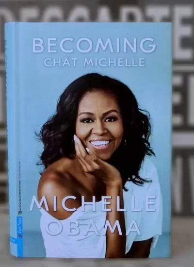 Covering Michelle Obama's memoirs in Vietnamese, released in late July.