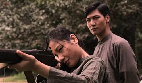 Nữ diễn viên Văn Phượng vai O Hoàn - người có tình cảm với Thầu Chín (Nguyễn Mạnh Trường đóng)trên đất Thái, là một nhân vật hư cấu trong phim.