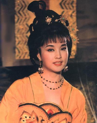 Lưu Hiểu Khánh đóng Võ Tắc Thiên từ thời thiếu nữ tới khi về già.