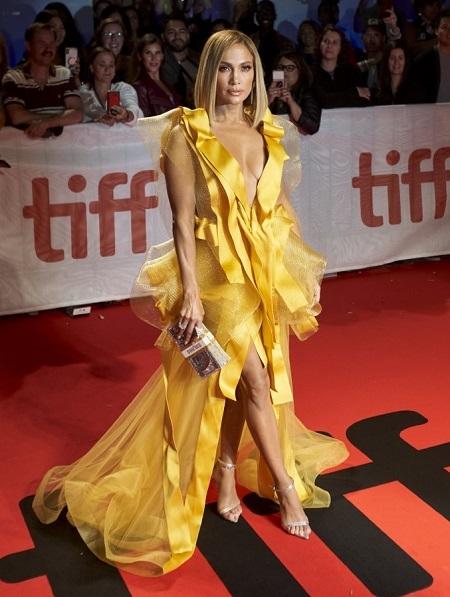 Jennifer Lopez ở LHP Toronto. Ảnh: AFP.