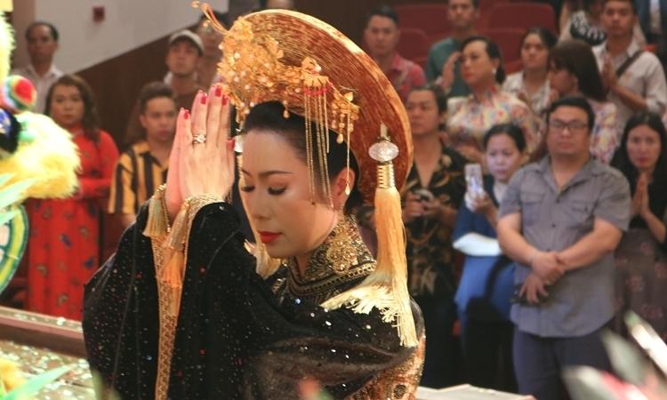 Nghệ sĩ tề tựu cúng tổ nghề sân khấu - VnExpress Giải Trí