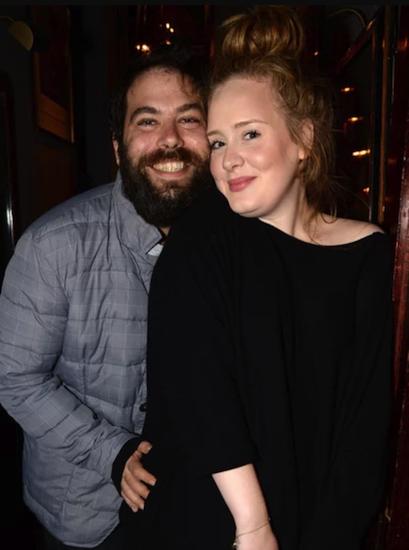Adele nộp đơn ly dị - ảnh 1