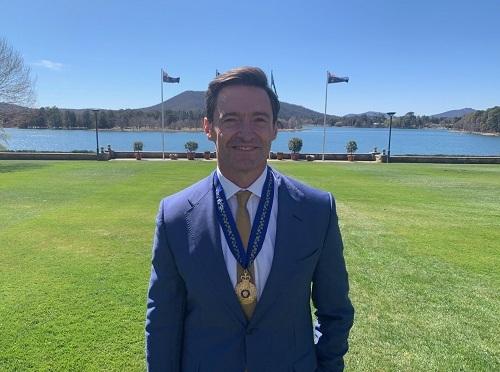 Hugh Jackman nhận Huân chương Australia. Ảnh: Twitter.