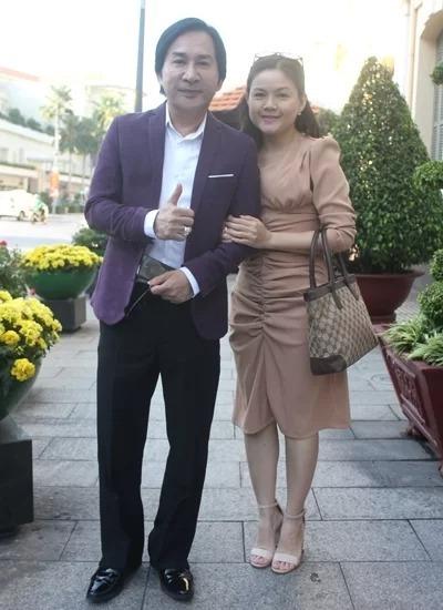 Kim Tử Long và vợ Trinh Trinh tại một sự kiện đầu năm. Ảnh: Mai Nhật.