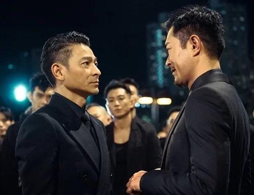 Lưu Đức Hoa (trái) và Cổ Thiên Lạc trong phim. Ảnh: Gala Film Distribution.