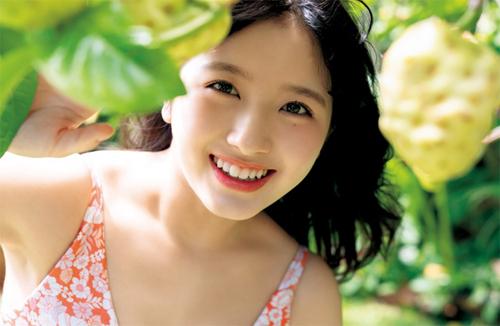 Owada Nana được nhiều khán giả khen nụ cười tươi tắn, ngọt ngào.