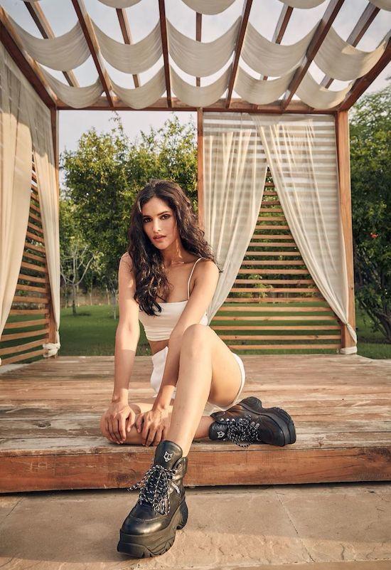 Nhan sắc Hoa hậu Hoàn vũ Ấn Độ 2019