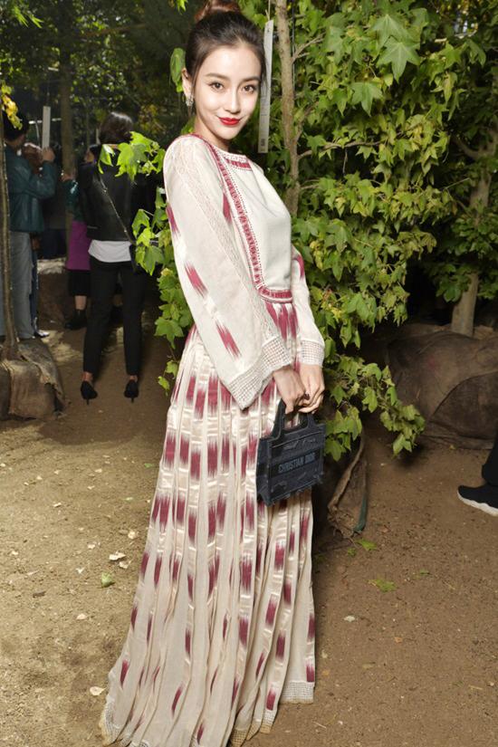 Khánh Linh vào nhóm sao mặc đẹp ở Paris Fashion Week