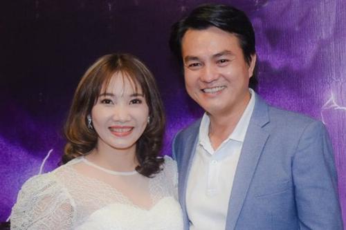 Cao Minh Đạt bên vợ - chị