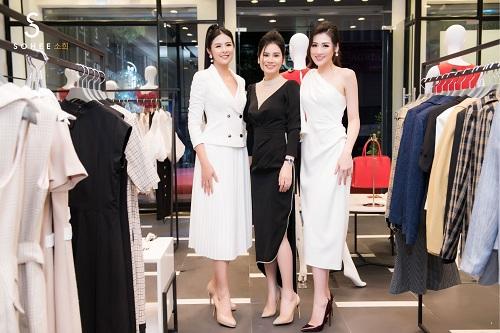 Mẹ chồng Lan Hương dự khai trương showroom Sohee Bắc Giang - 6