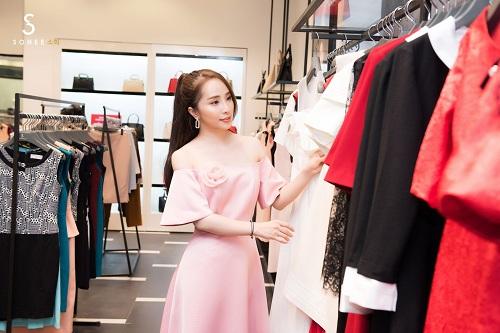 Mẹ chồng Lan Hương dự khai trương showroom Sohee Bắc Giang - 7
