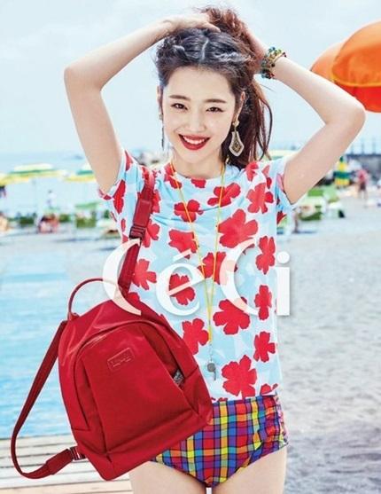 Giai đoạn 2009-2013, cô liên tiếp được mời làm đại diện thương hiệu, chụp ảnh họa báo, đóng phim hay dự sự kiện. Đây cũng là thời điểm thăng hoa nhất sự nghiệp của Sulli, cô kiếm được hàng trăm nghìn won, được xếp thu nhập cao trong giới thần tượng.