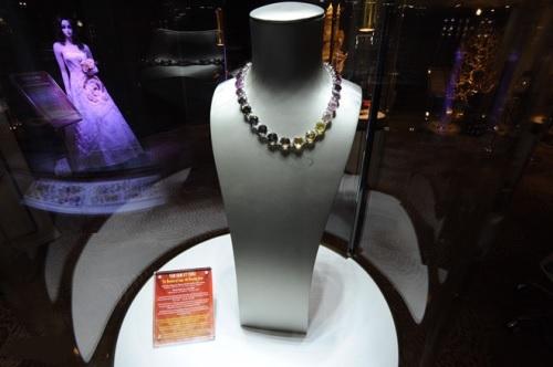 Lương Thùy Linh giới thiệu 6 bảo vật kỷ lục của DOJI - ảnh 3