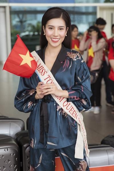 Yến Nhung mang 120 kg hành lý thi hoa hậu - ảnh 1