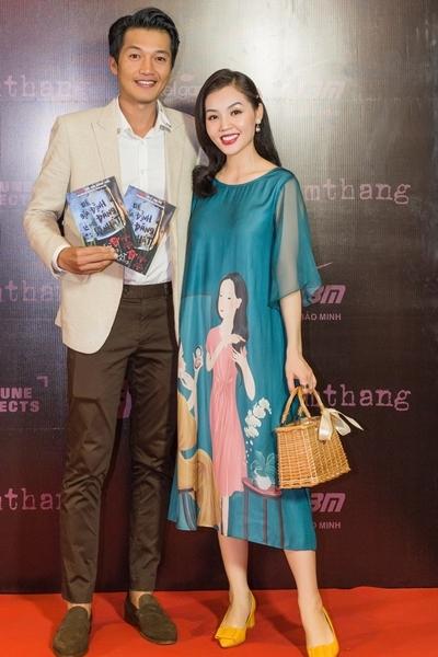 Quang Tuấn đưa vợ đi xem phim - ảnh 1