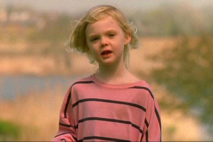 Vẻ đẹp từ thơ ấu đến trưởng thành của Elle Fanning