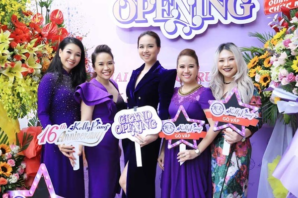 Đinh Ngọc Diệp mừng KellyPang 16 tuổi, ra mắt cơ sở mới - ảnh 2