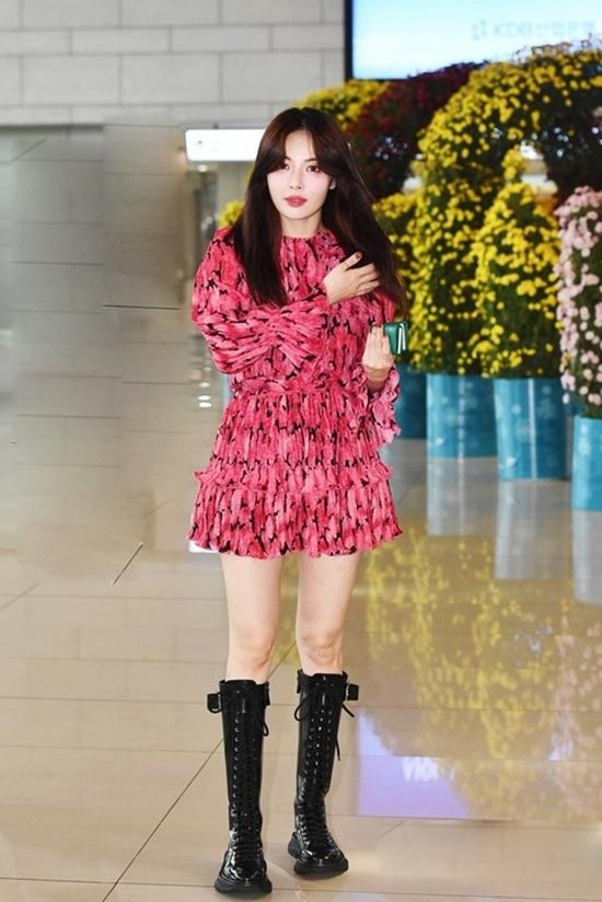 'Bom sex' HyunA mix đồ bình dân với hàng hiệu