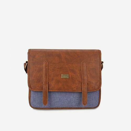Túi đeo chéo nam chi tiết khoá nịt Idigo MB2-332-00