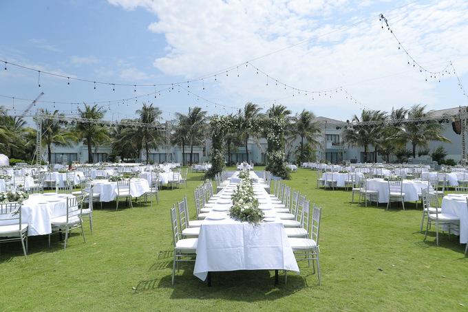 Không gian cưới trên bãi biển của Đông Nhi