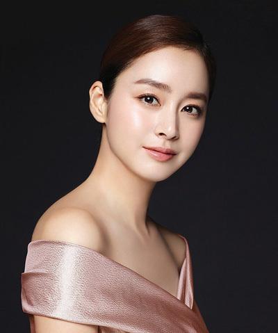 Kim Tae Hee tai xuat sau sinh
