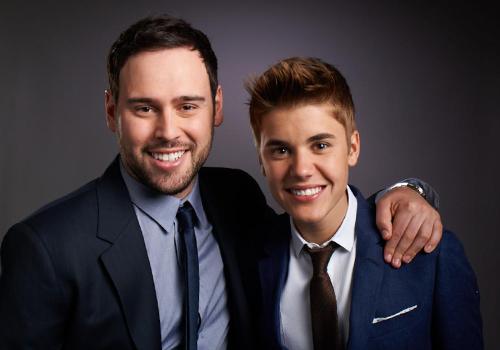 Scooter Braun (trái) - người sở hữu hãng đĩa Big Machine Records. Ảnh: Instagram.