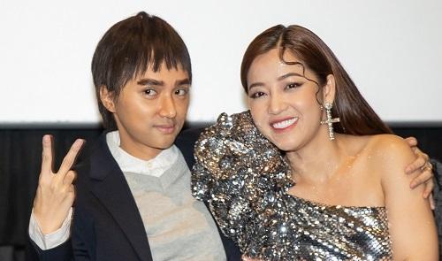 Hương Giang (trái) và Puka ở buổi công bố dự ánngày 3/12 ở TP HCM. Ảnh: CGV.