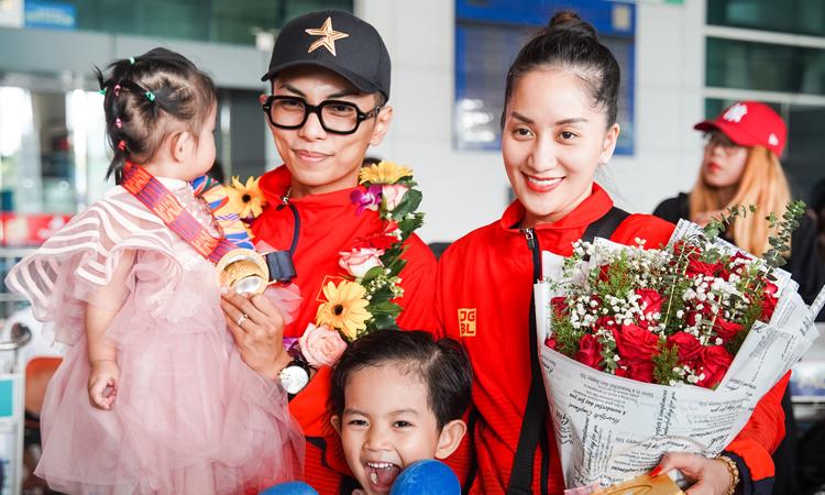 Chồng Khánh Thi về nước sau khi đoạt HC vàng - Giải Trí