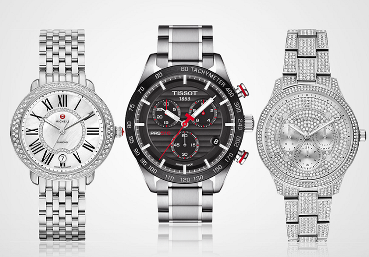 Trong thế giới đồng hồ, màu bạc (hay còn gọi là màu kim loại) là màu sắc được tất cả các nhà sản xuất đồng hồ sử dụng. Màu bạc thể hiện sự quý phái của chủ nhân. Đồng hồ gam bạc trắng có giá từ 14 triệu đồng đến 48 triệu đồng.