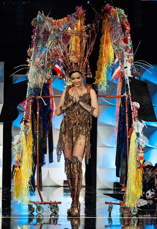 Trang phục dân tộc của thí sinh Miss Universe 2019