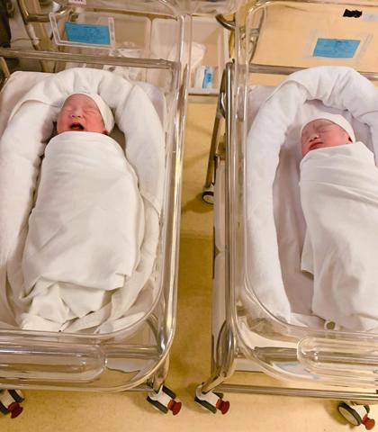 Hai con trai của MC Thành Trung. Ảnh: T.T.